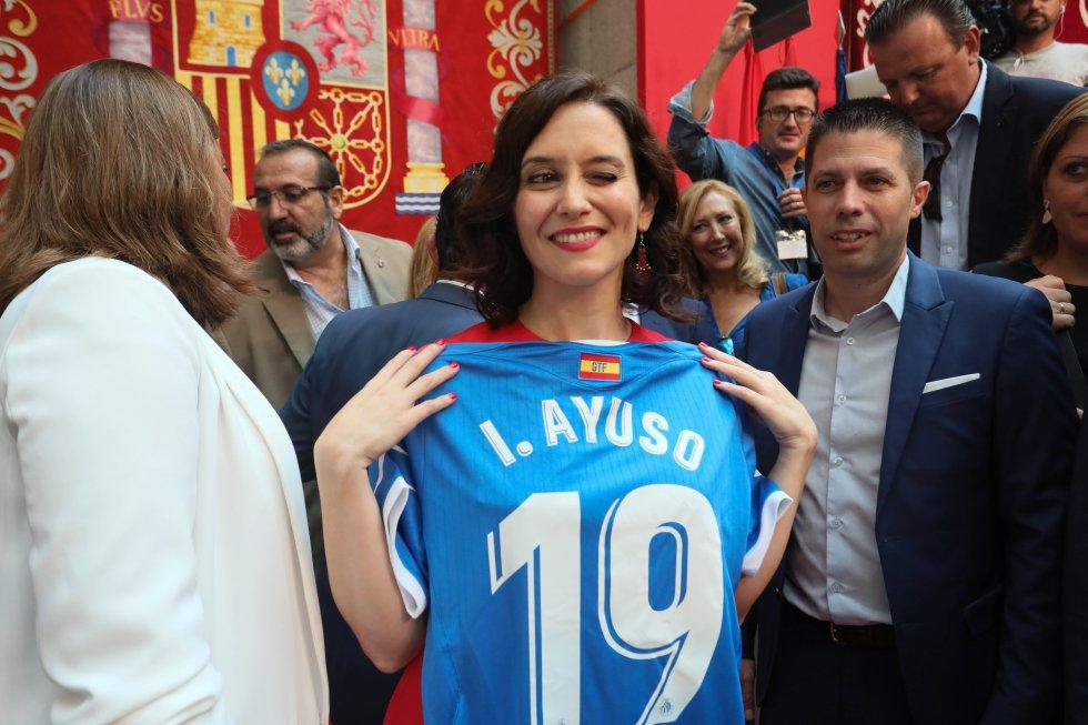 Isabel Díaz Ayuso 16023210