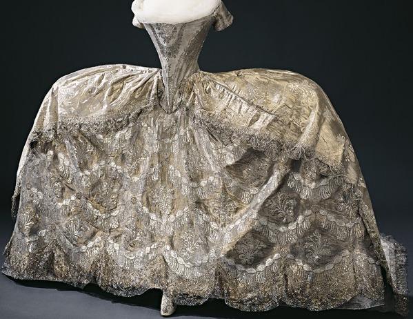 L'habit de mariage de Marie-Antoinette Hedvig11