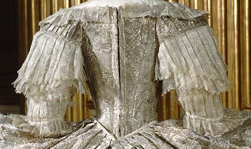 L'habit de mariage de Marie-Antoinette Sophie11