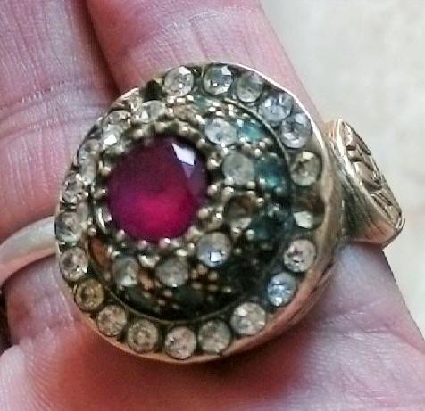 ارجو تقيم هذا الخاتم من الصحاب اتخصص وشكرا 00110