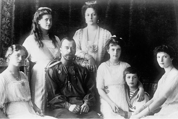 18 Juillet : assassinat de toute la famille impériale Russe Il-y-a10