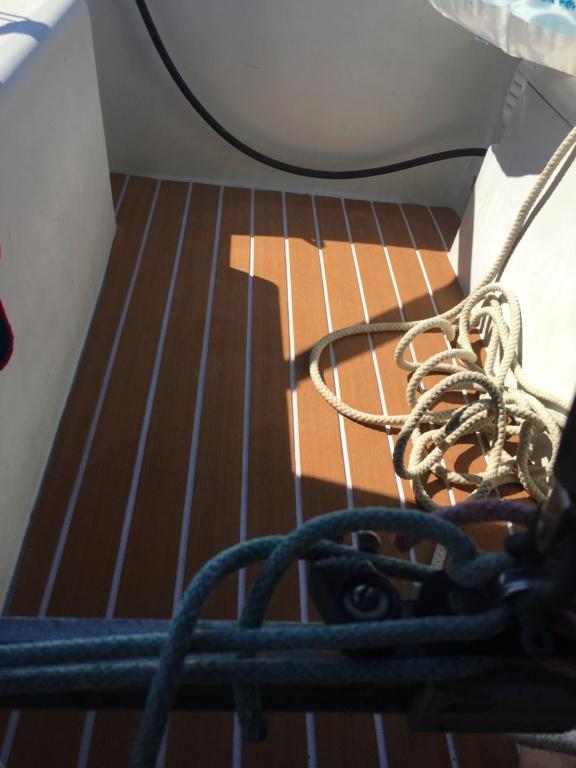 Pose d un sol de cockpit imitation teck A73e9010