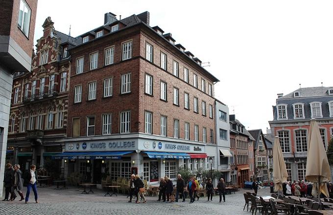 Mẹo tự học tiếng Dức giao tiếp tại nhà Aachen10