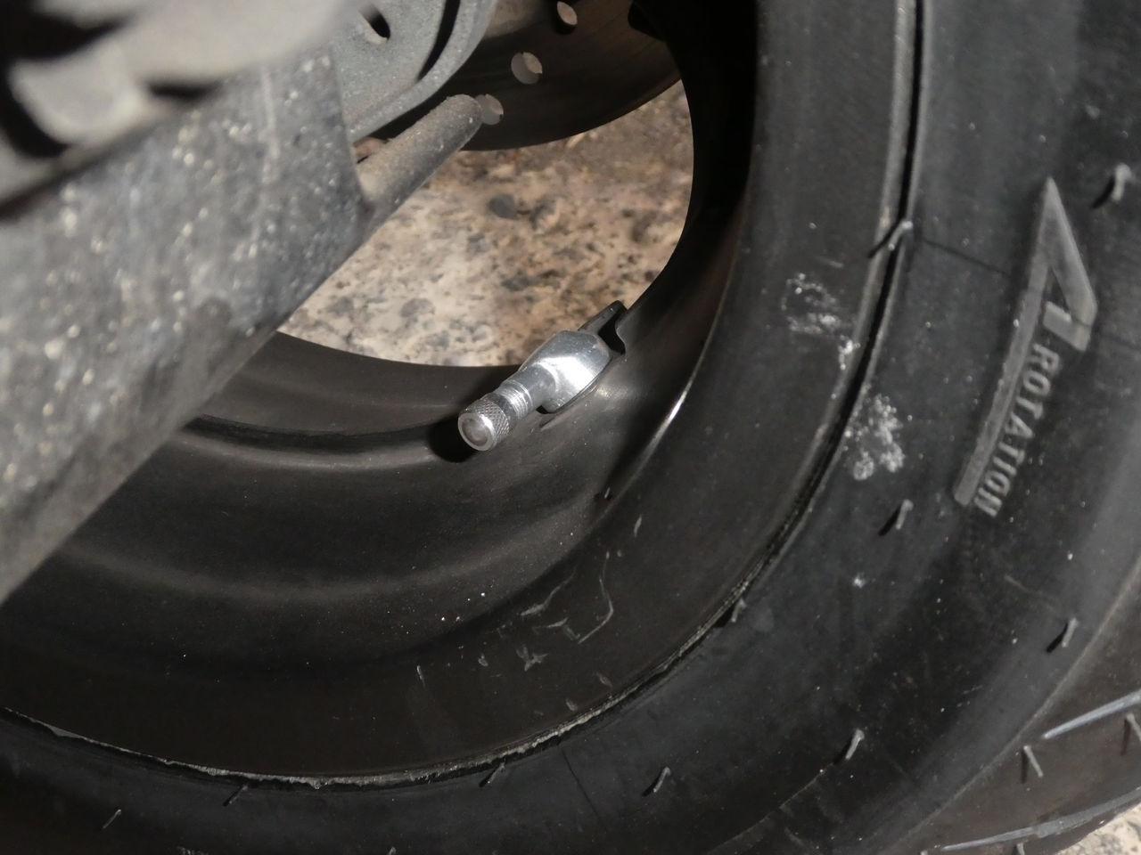Tire valve help V210