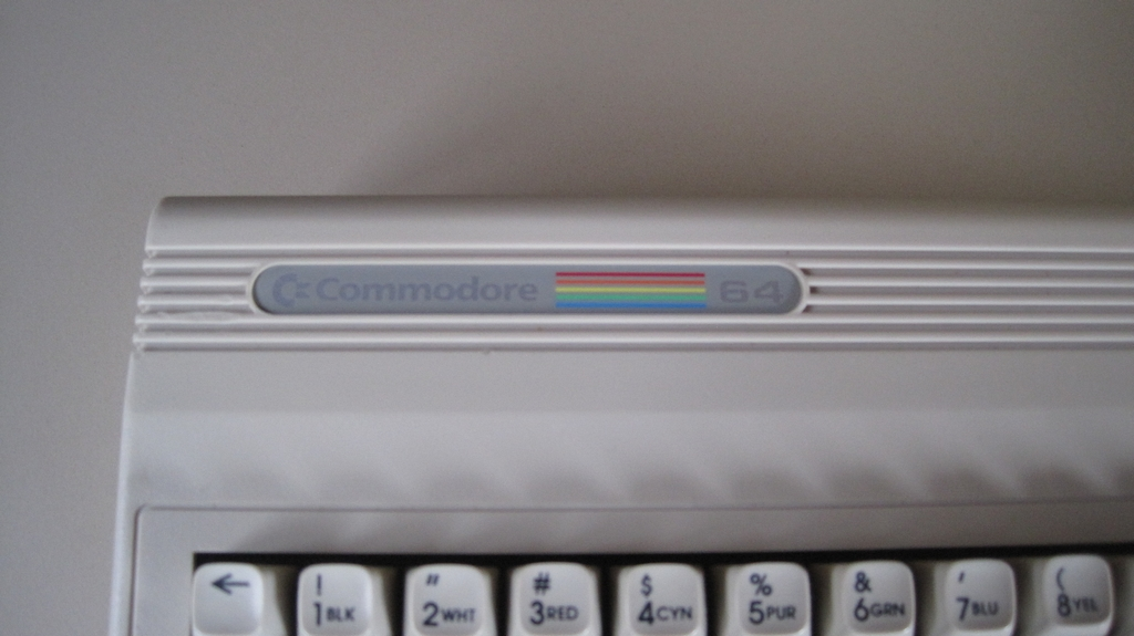 [VDS] Lot Commodore 64 G BLANC ! Version limitée - Jeux Commodore 64.  Img_2971