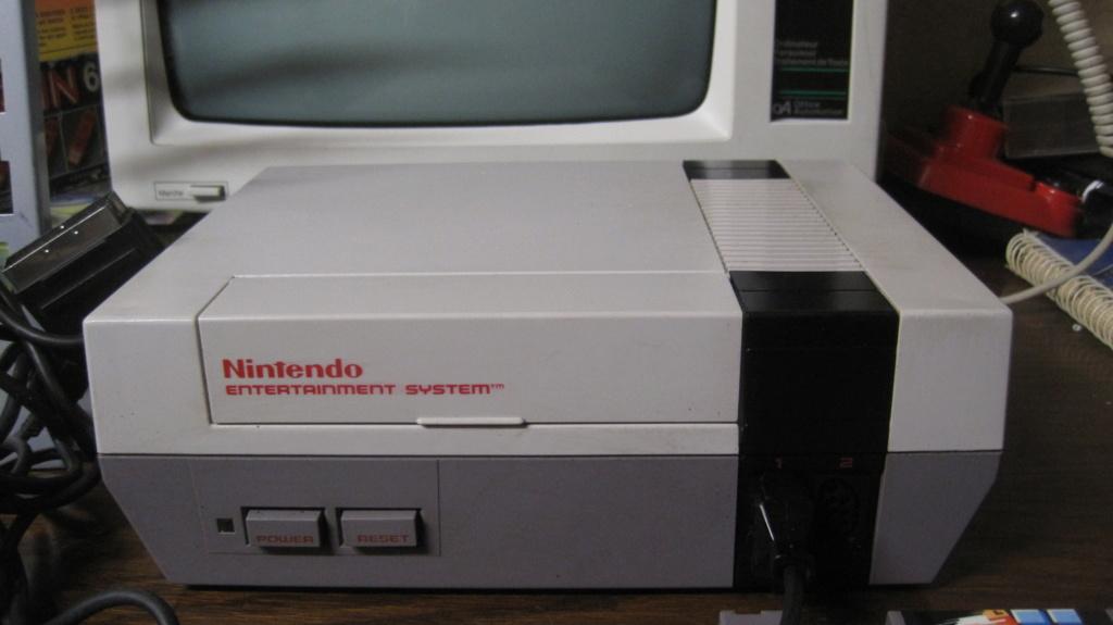 [VDS] Console NES en loose, avec 2 manettes + Jeu Duck Hunt en loose. 100% fonctionnelle. Img_3026