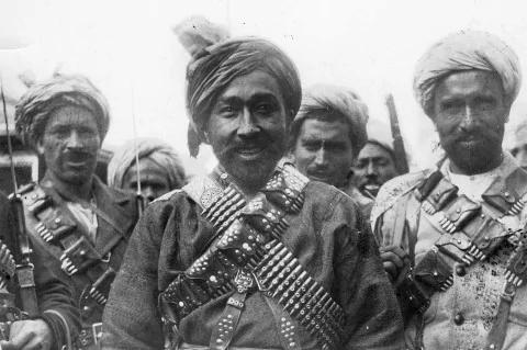 2½ Afghanis 1927 Crop_910