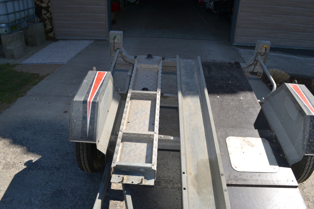 PETITES ANNONCES - vend remorque transport moto Remorq15