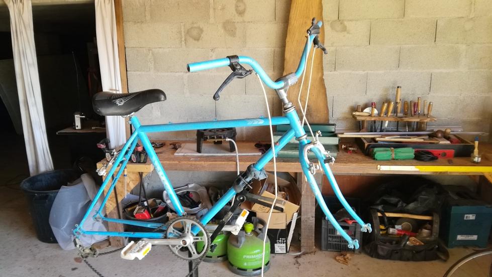 Un bien drôle de vélo MBK City Img_2081