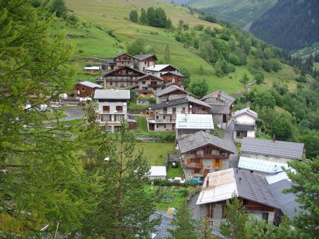 À la découverte des villages de Montvalezan Dsc01821
