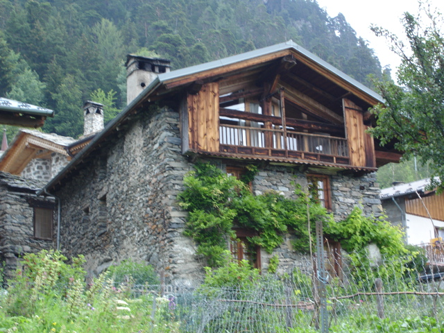 À la découverte des villages de Montvalezan Dsc01831