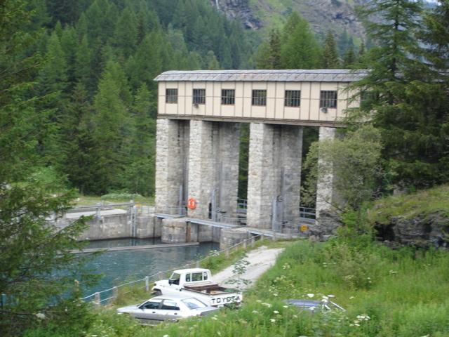 [Tignes] Le barrage de Tignes et les aménagements liés - Page 2 Dsc02510