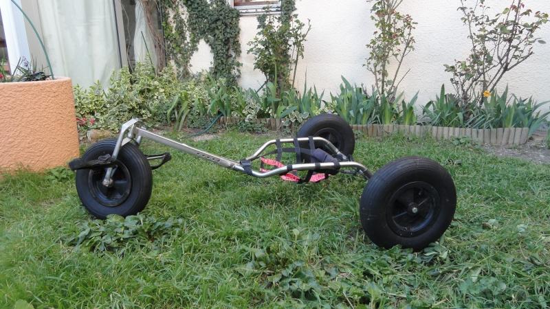 à vendre kite buggy d'une dizaine d'année trés bon état Dsc00911
