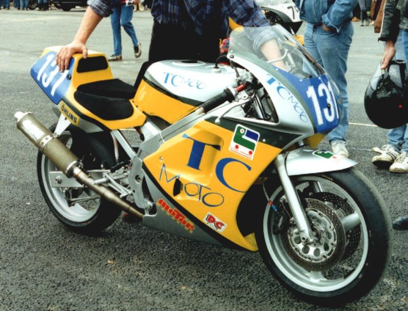 MONOS DE COURSE : Yam SZR, SR, BB1, Ducati, Gilera etc... Drg13110