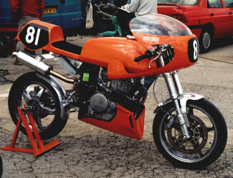 MONOS DE COURSE : Yam SZR, SR, BB1, Ducati, Gilera etc... Honda810