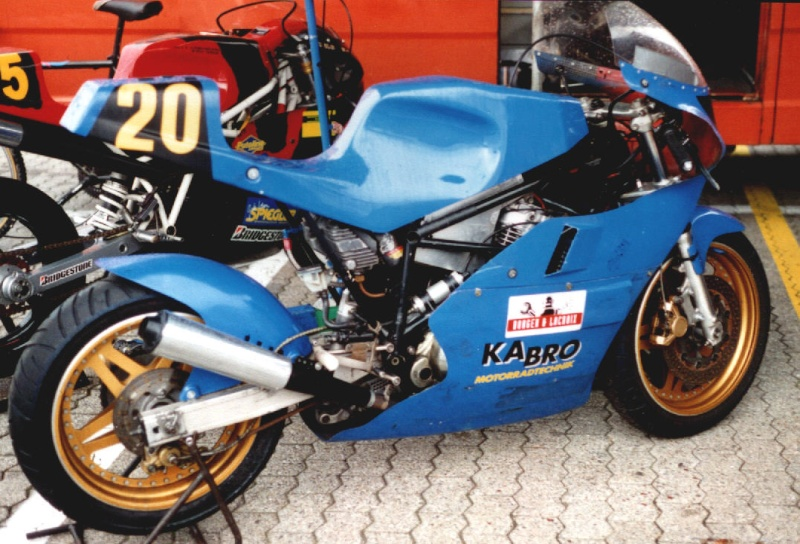 MONOS DE COURSE : Yam SZR, SR, BB1, Ducati, Gilera etc... Image110