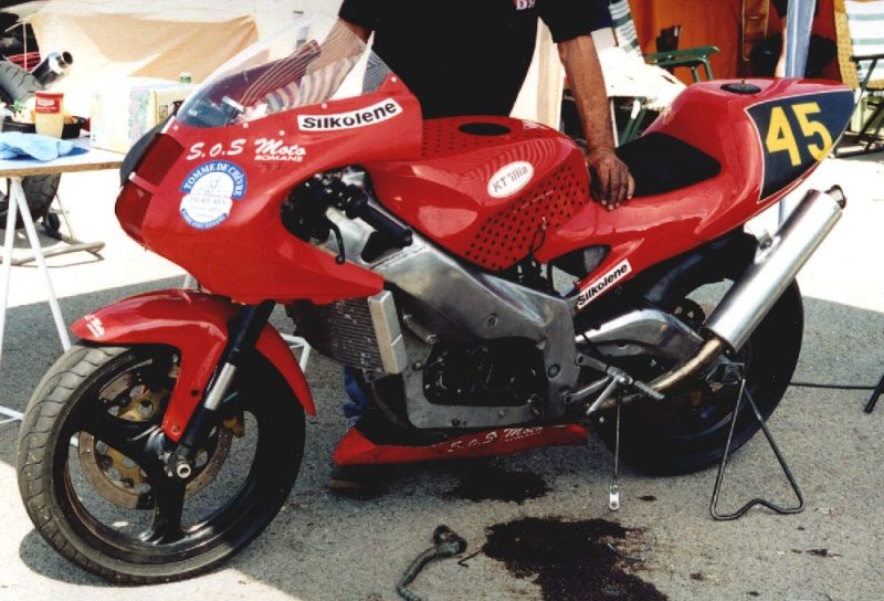 MONOS DE COURSE : Yam SZR, SR, BB1, Ducati, Gilera etc... Ktilia10