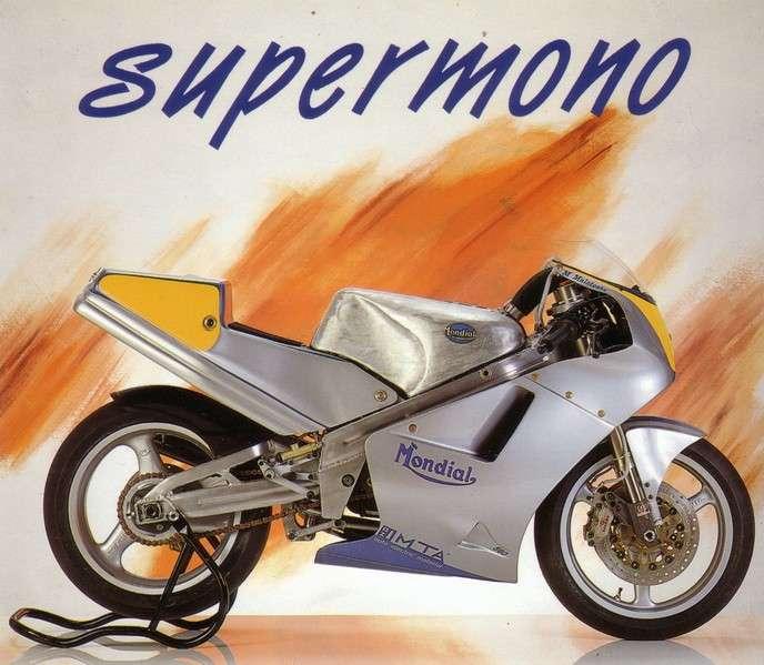 VERSION FINALE DE LA KTM MONO Ktmmon10