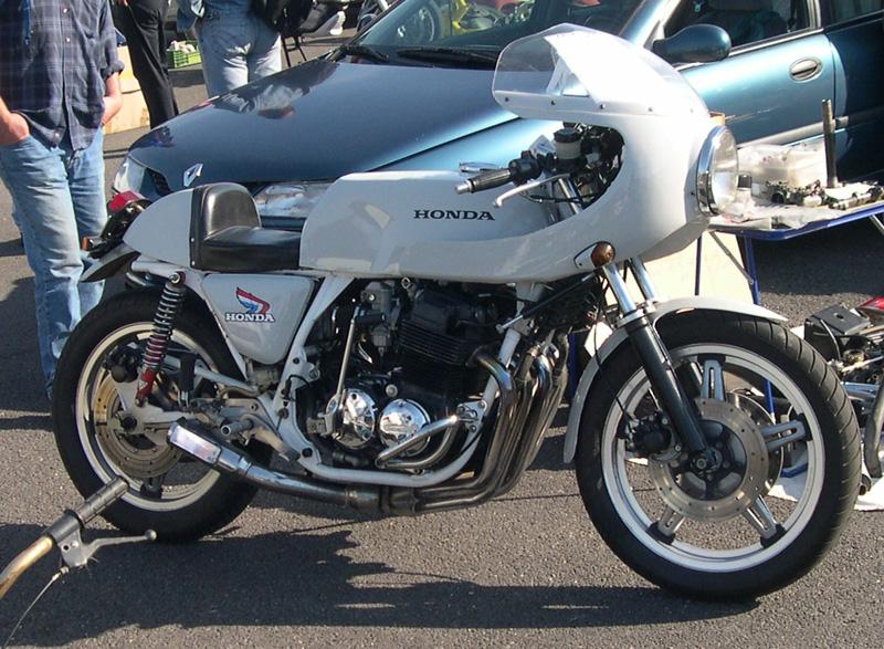 BEAU 4 PATTES Racer10