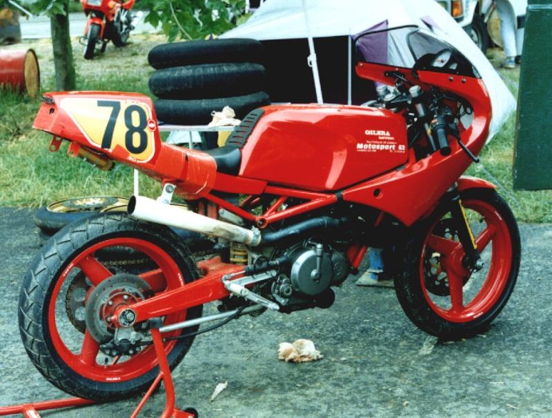 MONOS DE COURSE : Yam SZR, SR, BB1, Ducati, Gilera etc... Saturn10