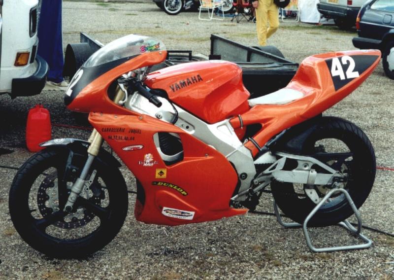MONOS DE COURSE : Yam SZR, SR, BB1, Ducati, Gilera etc... Szr66010