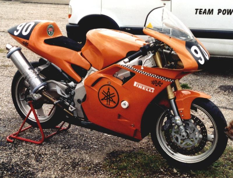 MONOS DE COURSE : Yam SZR, SR, BB1, Ducati, Gilera etc... Szr66012