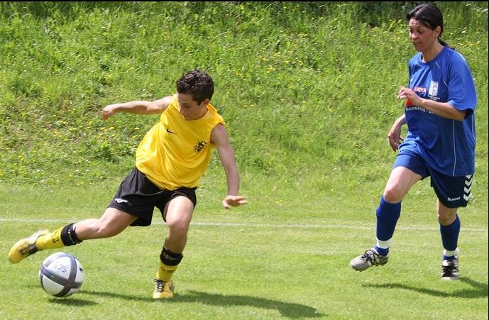 Sportigue Club de Sarrancolin (SCS) Foot Saison 1 - Page 2 Barbaz10