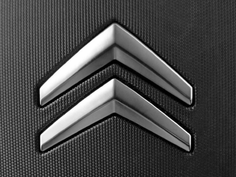 [Graphisme] M. Streiff veut moderniser le logo de Citroën Logo_011