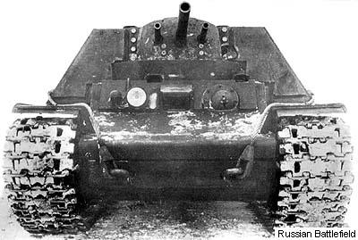 Les chars à canons doubles - Page 2 Kv7_0110