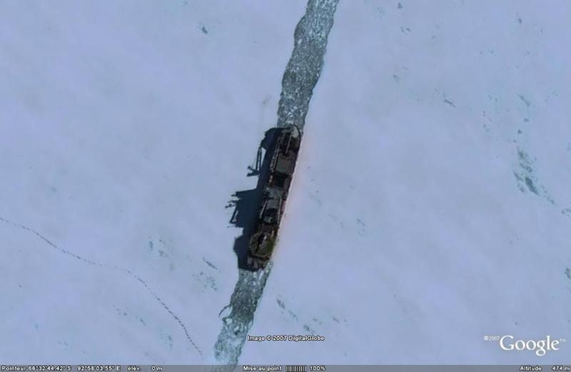 Brise glace, station polaire russe Mirny, Antarctique Brise10