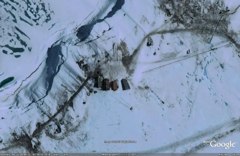 Brise glace, station polaire russe Mirny, Antarctique Mirny10