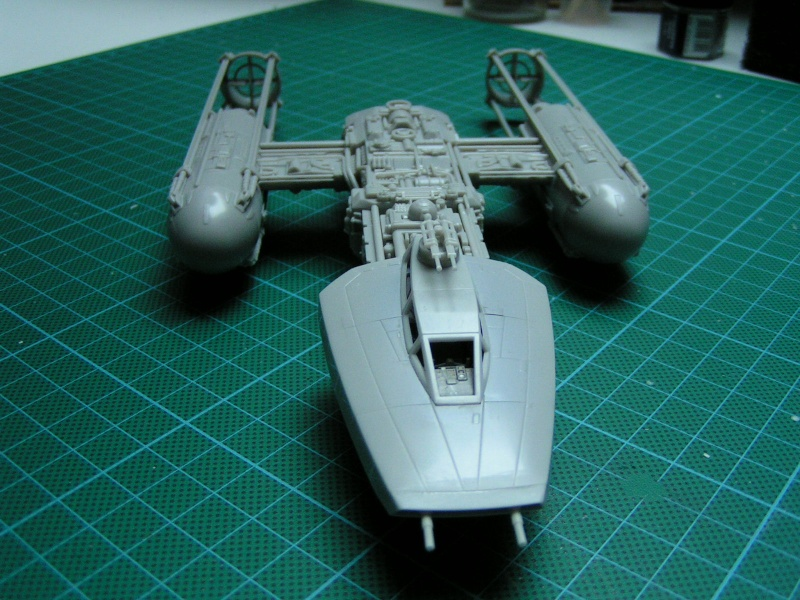 y-wing finemolds 1/72 FINI le 11/11 00110