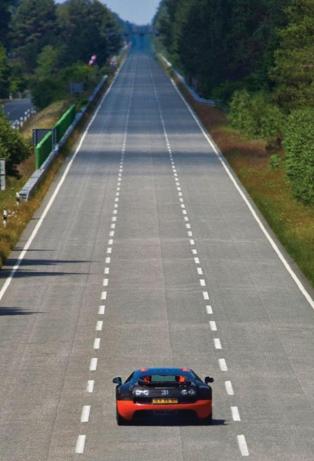 Bugatti Veyron 16.4 Super Sport Bugatt21