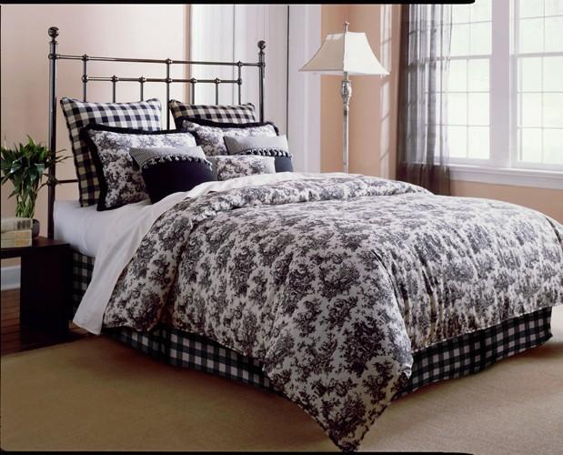 [Conseil déco] chambre avec lit acier noir Jolieb10