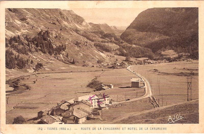 Les villages de Tignes La_cha10