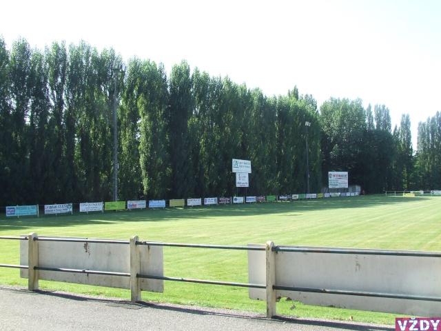 Stade de Rrruby  OBJAT (19) 2007_013