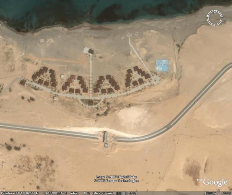 Route sectionnée, Surt, Lybie, Afrique [C'est quoi ?] Peage10