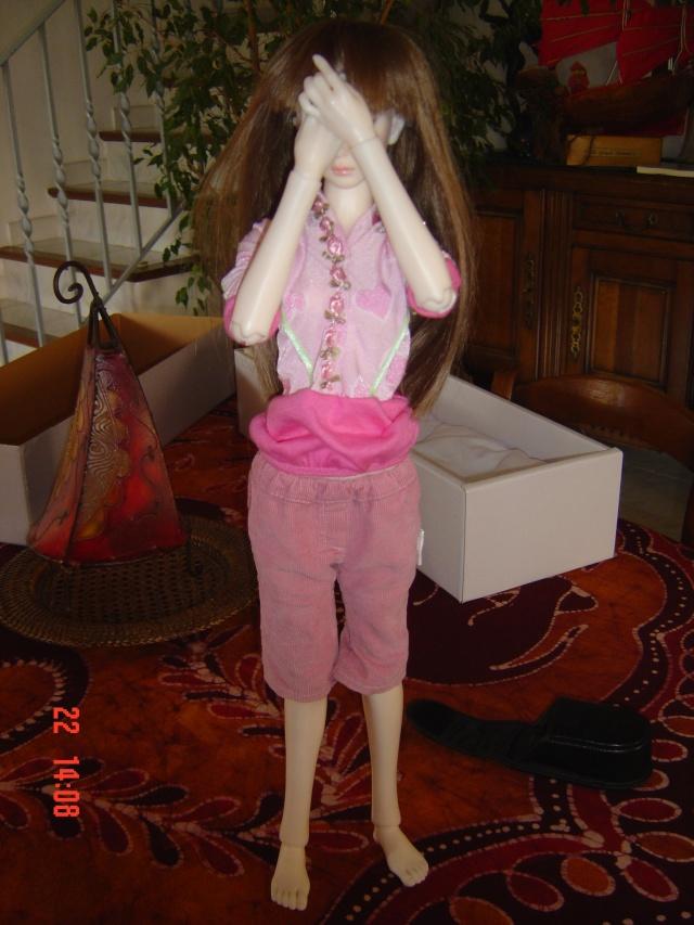 Faire poser sa poupée - Page 2 Dsc01925