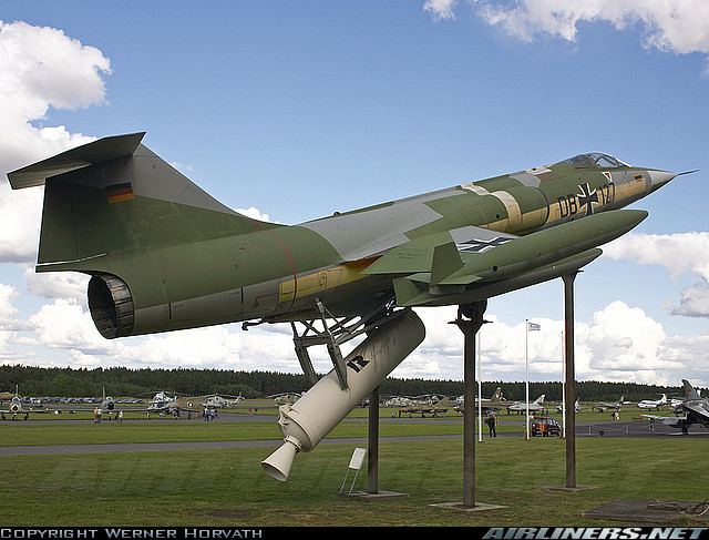 Musées Aviation - Page 6 Lockhe12