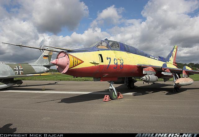 Musées Aviation - Page 6 Sukhoi10