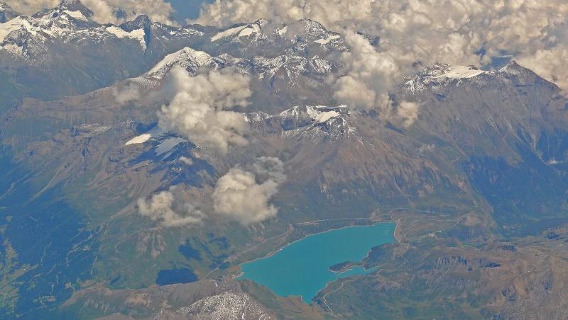 La chaine des Alpes en avion (nouvelles photos) P1060410