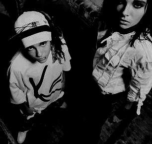 [Fanfic] Bill Kaulitz de Tokio Hotel ? Le gay ! - Page 2 Sans_t42