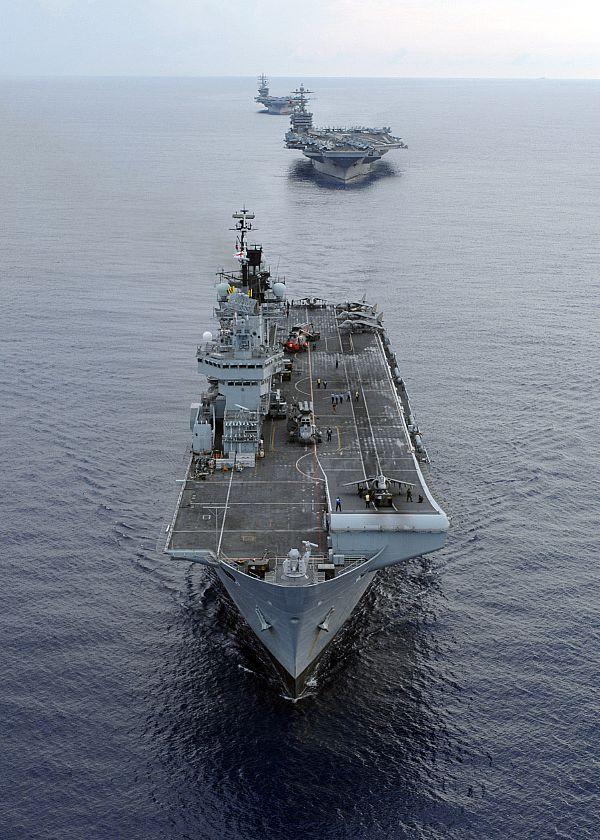 Aircraft Carriers (HMS Ark Royal & HMS Illustrious) 52d3xo10