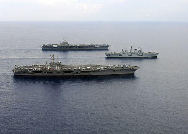 Aircraft Carriers (HMS Ark Royal & HMS Illustrious) 67f2xj10
