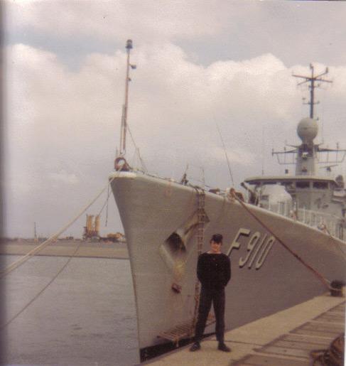 Mon pére à bord du F910 en 1977 Wielin13