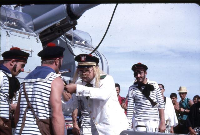 [ Les traditions dans la Marine ] LE PASSAGE DE LA LIGNE - ÉQUATEUR (Sujet unique) - Page 5 Ligne016