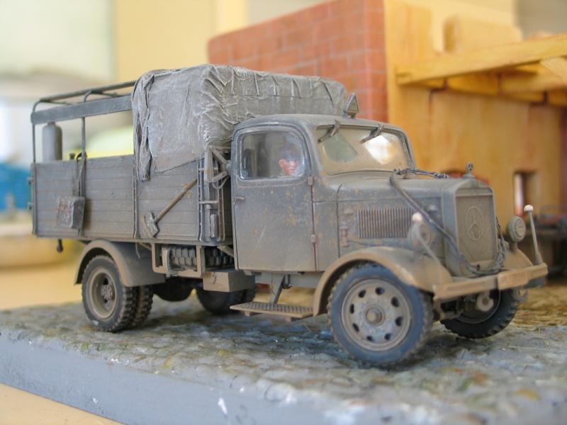 Réalisation  d'un Diorama Mercedes 3000 Img_5229