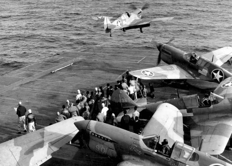 P-40 décollant d'un porte avion P-40so10