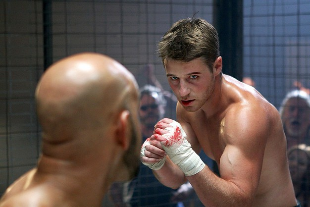 Ryan Atwood, cage fighter... Ryan_c10