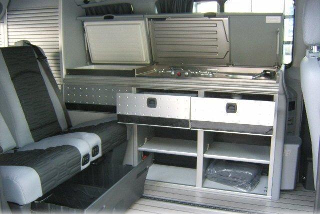 Mercedes Viano Marco Polo VS Volkswagen T5 California !!! Int_mp10